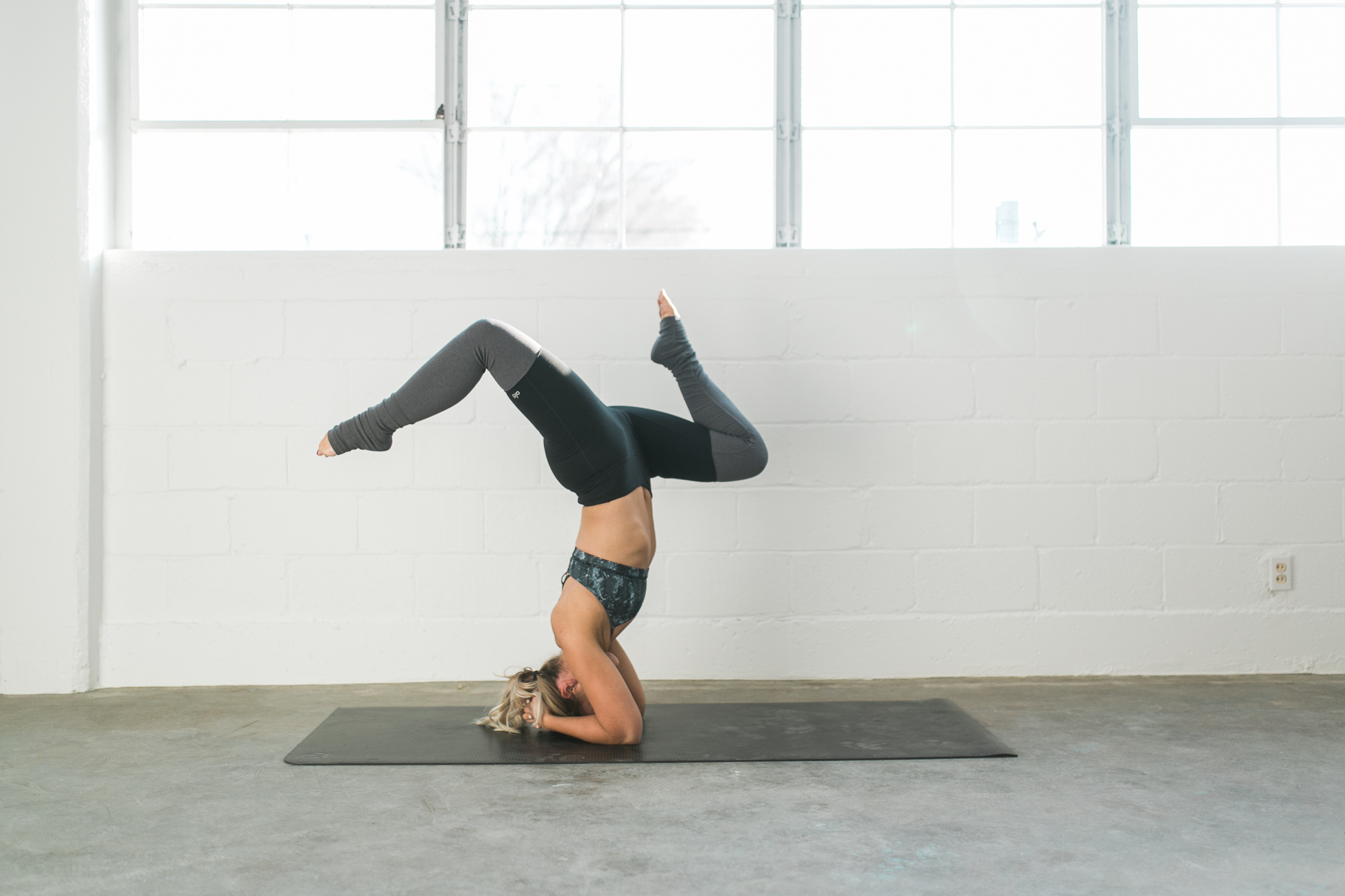 YOGA POSES TO FIGHT ANXIETY AND DEPRESSION! – fitness