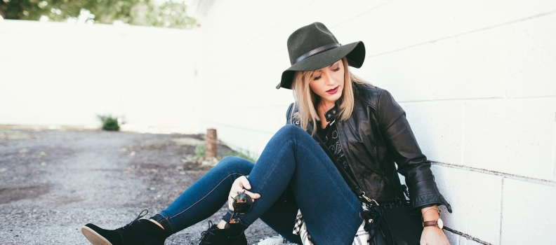 Black wedge staple style faceoff – fashion